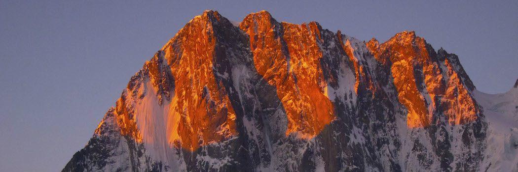 Grandes Jorasses, en af de imponerende toppe i Mont Blanc massivet